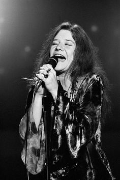 : Janis Joplin - Iconic Images : Janis Joplin - Iconic Images Janis Joplin<br> American rock singer Janis Joplin – records a performance on the television show 'This is Tom Jones', Janis Joplin, Acid Rock, Blues, Tom Jones, Montreux Jazz, Women Of Rock, Look Vintage, Jim Morrison, Music Icon