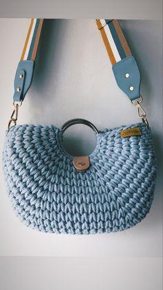 Diy Crochet Bag, Crotchet Bags, Crochet Pouch, Quick Crochet, Crochet Shoes, Knitted Bags, Knit Crochet, Diy Pouch Bag, Fabric Yarn