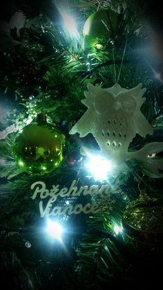 Fotoblog užívateľky milenass | Modrastrecha.sk Christmas Ornaments, Holiday Decor, Home Decor, Decoration Home, Room Decor, Christmas Jewelry, Christmas Decorations, Home Interior Design, Christmas Decor