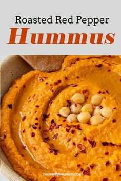 Roasted Pepper Hummus Recipe, Humus Recipe, Homemade Hummus Recipe, Burfi Recipe, Red Pepper Recipes, Homemade Bagels, Roasted Red Peppers, Food Processor Recipes, Cooking Recipes