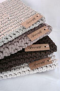 i pad sleeve ... fabrics & colours i love! (flylikeabutterfly.com)