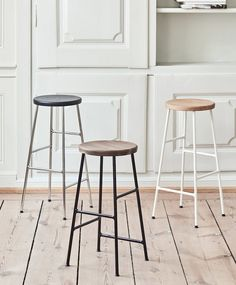 Be the first to see HAY's new furniture collection. Innovative and timeless designs for home, office and outdoor use. Explore HAY's new furniture here. New Furniture, Kitchen Furniture, Swivel Dining Chairs, Occasional Chairs, Table Haute, Chaise Bar, Low Stool, Deco Design, Home Decor Kitchen