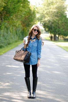 Caitlin (her blog is southerncurlsandpearls.com) has the best outfits and the best hair of any blogger out there!