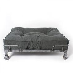 Wheely Stonewashed Canvas Black | Hundeschlafplatz im Industriestil auf Rollen
