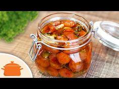 Tomatinhos em conserva (confit) delicioso para você comer com torradinhas, usar como molho de massas ou em saladas. Ingredientes: 400g de tomatinhos; 1/2 col...