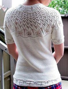 Ravelry: #9 Short-sleeved yoke pullover pattern by Hitomi Shida (志田 ひとみ)