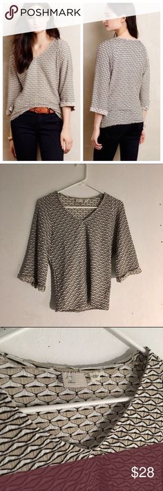Anthropologie Postmark Avana Stretch Top Size: XXSP, best for xsmall //   • this top has a triangle weave pattern in white, beige, and black • 3/4 quarter sleeves • v-neck  • great condition Anthropologie Tops Blouses