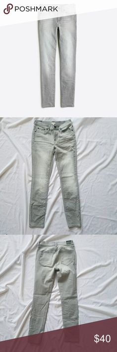 """NWT J. Crew Factory skinny jean, light gray, 25/28 NWT J Crew Factory distressed skinny jean, light gray color.  25"""" waiste, 28"""" inseam. Sits on hips. Cotton/poly/elastane. Fitted through hip and thigh with skinny leg. Great, classic jeans. I wish they fit me! J. Crew Factory Jeans Skinny"""