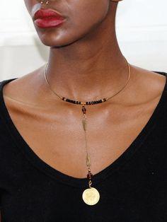 335e42dc91096 Collier Awilo est un collier ras du cou africain fait par les artisans  Kenyan Ikhaya