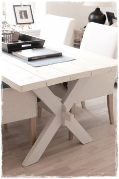 simply painted white picnic table, could be great office conference table. Pretty Things, Dining Room Table, Luxury Bedding, Family Room, Kitchen Design, Sweet Home, New Homes, Interior Design, Corian Top