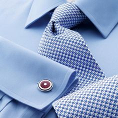 Buy our Classic Collar Non-Iron Twill Shirt - Sky exclusively from Charles Tyrwhitt of Jermyn Street, London. Shirt Tie Combo, Dress Shirt And Tie, Suit And Tie, Dress Shirts, Tee Shirts, Mens Fashion Suits, Mens Suits, Womens Fashion, Terno Slim