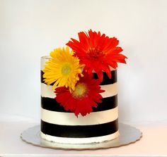#buttercream #stripedcake Buttercream Cake, Frosting, Striped Cake, Sugar Art, Sweet Cakes, Confectionery, Baking, Desserts, Food