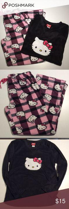 HELLO KITTY NWOT WOMEN'S PJ SET HELLO KITTY PJ SET with long pants and long sleeve shirt ➖ 100% Poly ➖ so soft fleece Hello Kitty Intimates & Sleepwear Pajamas