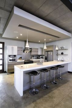 Concrete Floor Kitchen Magic, Big Kitchen, Kitchen Sets, Kitchen Pantry, Kitchen Cabinets, Kitchen Island Lighting Modern, Modern Kitchen Design, Interior Design Kitchen, Concrete Ceiling