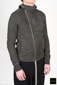 LB 78 DARK DUST Lamb Leather Front lining Cotton - Back lining Viscose Cupro Sleeves lining Cupro - Knit rib cuff New wool Rick Owens - Walrus - Made in Moldova Model is wearing size He is chest Rick Owens, Bullet, Leather Jacket, Model, Sleeves, How To Wear, Cotton, Jackets, Collection