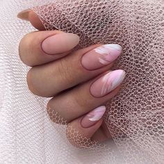 Want to know how to do gel nails at home? Learn the fundamentals with our DIY tutorial that will guide you step by step to professional salon quality nails. Classy Nails, Stylish Nails, Simple Nails, Nagellack Design, Nagellack Trends, Nail Manicure, Gel Nails, Stiletto Nails, Nails Ideias