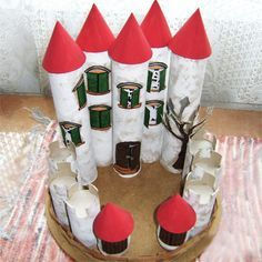 Cardboard castle to make for kids. Use cardboard tubes and toilet paper rolls. Toilet Roll Craft, Toilet Paper Roll Crafts, Paper Crafts, Crafts To Do, Crafts For Kids, Arts And Crafts, Diy Crafts, Projects For Kids, Diy For Kids
