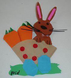 * De wortel, vliegertje, eieren, 16 vierkantjes, zijn gevouwen. Mandje is van een koffiefilter.