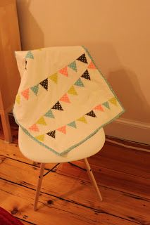 How to make a polka dot baby bunting quilt in an evening! Tutorial at Cashmerette