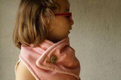 girl children winter NECKWARMER scarve scarf / cowl by kitrino Woolen Clothes, Neck Warmer, Pink Flowers, Retro Fashion, Cowl, Off White, Plaid, Fresh, Children