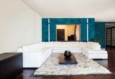 creative decorating ideas wall color metallics petrol blue white sofa KLONDIKE VALPAINT
