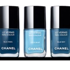 Les Jeans de Chanel - If you're a full-blown nail polish addict like I am, you may want to be sitting down for this; the Les Jeans de Chanel nail polish collection is se. Fall Nail Polish, Chanel Nail Polish, Chanel Nails, Nail Polish Colors, Nail Polishes, Polish Nails, Chanel Chanel, Chanel Makeup, Makeup Lipstick