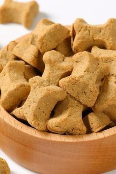 Bacon Flavored 2 eggs, 1 cup milk, cup water, 10 tbsp bacon fat, 5 cup whole wheat flour. Puppy Treats, Diy Dog Treats, Homemade Dog Treats, Dog Treat Recipes, Healthy Dog Treats, Dog Food Recipes, Banana Dog Treat Recipe, Bacon Dog Treats, Dog Cookies