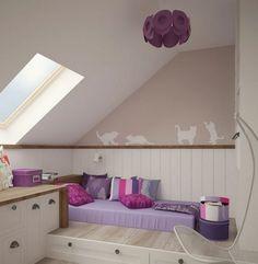 Kinderzimmer Wandgestaltung Ideen  Farbe Schablone Katzen Lila Akzente Dachschraege