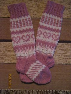 Baby Barn, Stocking Tights, Knit Wrap, Knit Or Crochet, Knitting Socks, Mittens, Christmas Stockings, Knitting Patterns, Quilts