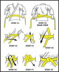 How to tie an Obi (belt for Judo, Karate, Aikido, Jujutsu) Karate Shotokan, Kenpo Karate, Kyokushin Karate, Karate Gi, Muay Thai, Viet Vo Dao, Martial Arts Techniques, Aikido Techniques, Ju Jitsu