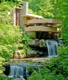 Frank Lloyd Wright's Fallingwater in Mill Run, ... | Architecture