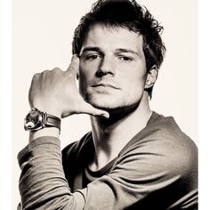 Thinking of Danila Kozlovsky as the Human form of Wind, Rayna's father... hmm.