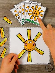 Sun Rays Preschool Counting Activity for Summer #preschool #summerpreschool #preschoolprintables #preschoolcenters #planningplaytime #counting