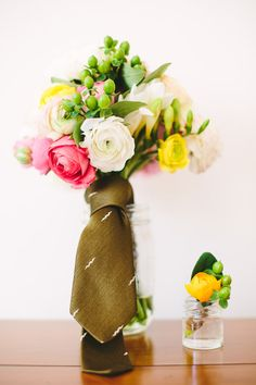 necktie tied around bouquet in honor of bride's father // photo by Mary Costa Photography // View more: http://ruffledblog.com/handmade-san-diego-garden-wedding/