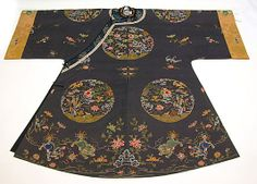 Woman's Informal Robe with Garden Roundels, Period: Qing dynasty (1644–1911) Date: early 18th century  Culture: China, Medium: Silk and metallic thread embroidery on plain-weave silk