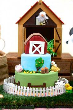 Un colorido cumpleaños en la granja con sus animales