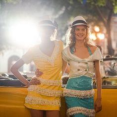 Pin for Later: Das sind die Highlights der Chanel Modenschau auf Kuba Die Oldtimer spielten auch während der Show eine Rolle