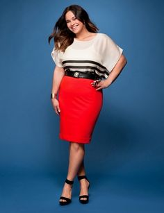 Get The Look, Curvy Girl Fashion - A bigger (wider) blouse makes her hips look slim. Great shape!
