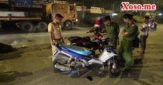 Tông xe máy, người đàn ông trượt lê đập vào dải phân cách tử vong