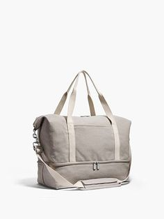 Catalina Deluxe Small Canvas Weekender- Small Canvas Weekender- A small travel bag made from a pre-washed soft yet sturdy canvas. A perfect stylish bag for overnight trips. In Dove Grey Color Canvas Weekender Bag, Tote Bag, Small Bags, Small Small, Accessorize Shoes, Elle Fashion, Small Canvas, Travel Accessories, Bag Making