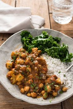 VEGAN CHICKPEA AND POTATO CURRY