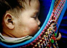 #sapa #vietnamholiday #travelmagazine: Peaceful sleep on mother's back of Sapa children