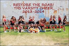 Cheer team photo pose idea from Laurie Blair Photo in Terrell TX. www.facebook.com/laurieblairphoto