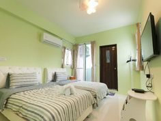 Taitung Wulas Dorm Backpackers Taiwan, Asia Located in Taitung City, Wulas Dorm Backpackers is a perfect starting point from which to explore Taitung. The hotel offers guests a range of services and amenities designed to provide comfort and convenience. Facilities like free Wi-Fi in all rooms, daily housekeeping, private check in/check out, taxi service, express check-in/check-out are readily available for you to enjoy. Designed for comfort, selected guestrooms offer televisio...