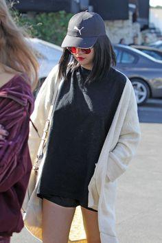 Selena Gomez #SelenaGomez Roztomilý Street štýl - ide do Sushi v LA 18/11/2017
