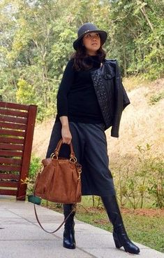 Choose a black leather jacket and charcoal culottes to effortlessly deal with whatever this day throws at you. Round off this look with black leather knee high boots. Womens Black Leather Jacket, Black Leather Tote Bag, Leather Jackets, Brown Leather, Winter Sweaters, Sweaters For Women, Casual Fall Outfits, Winter Outfits, Outfits