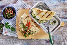 Wraps van de BBQ. Geen vlees, geen vis, maar gevuld met groente en geitenkaas - Recept - Allerhande