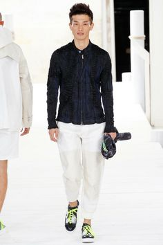 Issey Miyake | Spring 2015 Menswear Collection | Style.com