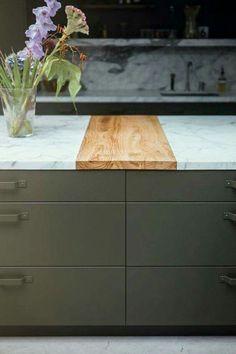 Holz & Granit gemischt | Küche individuelle einrichten | Küchen Ideen | Küche gestalten | Wohnungseinrichtung | Stilvoll wohnen | Kitchen Ideas