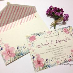 Olá Hoje vou mostrar para vocês um convite de casamento super fofo e delicado com uma estampa floral aquarelado e um envelope estampado n...